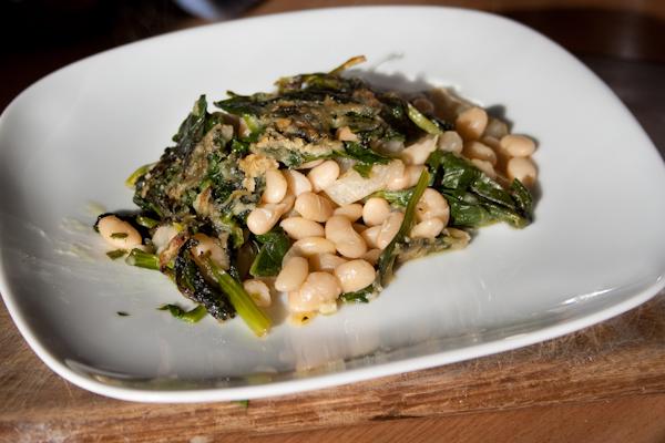 Fasolia me spanaki 1 von 1 Gebackene Bohnen mit Spinat