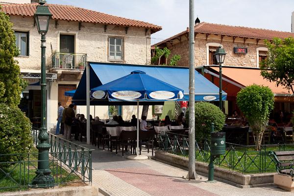 Kessariani1 Die Platia in Kessariani   ein bisschen wie im Dorf