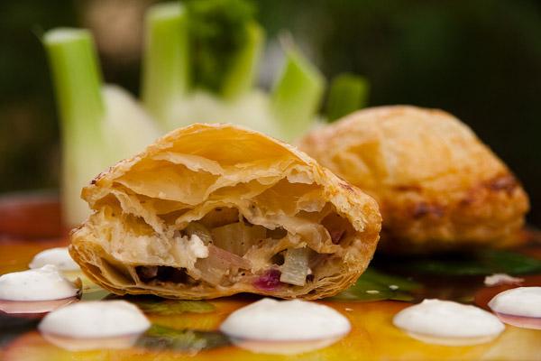 Blätterteigtaschen mit fenchel und schafskäse Blätterteigtaschen mit Fenchel und Schafskäse