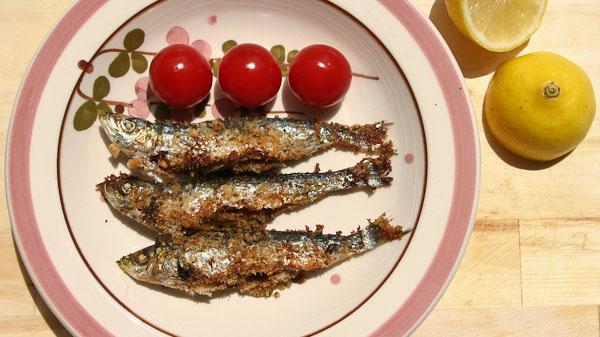 Sardinen gebacken mit Nüssen gefüllt 1 Gebackene Sardinen mit Nüssen gefüllt