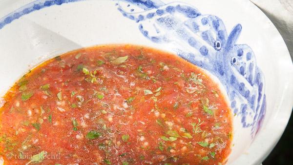 Fussili mit Tomaten Basilikum Sauce Tomaten & Basilikum Sauce für Pasta